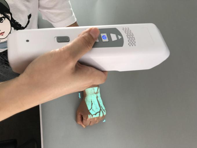 Real Time Accurate Vein Display Handheld Infrared Vein Detector With 2 Colors Images Adjustable